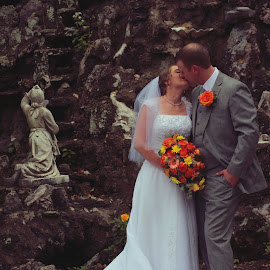 You may kiss the bride by Michael Cawley - People Couples