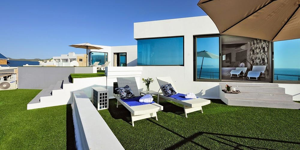 093-sea-facing-luxury-penthouse-1