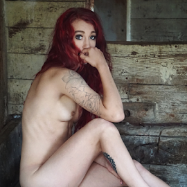In the barn  by Todd Reynolds - Nudes & Boudoir Artistic Nude