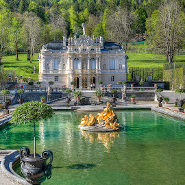 Linderhof Reflecting Pond and Fountain by Elk Baiter - Buildings & Architecture Public & Historical ( german, fountain, linderhof palace, bavaria, garden )