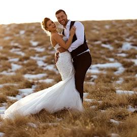 Winter love by Madalina Stoica - Wedding Bride & Groom ( #winter #lovestory #couple #married #family #bride #groom )