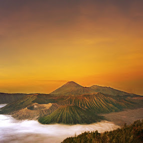 Mount Bromo by Vincentius Hioe - Landscapes Mountains & Hills ( mountain, sunset, indonesia, nex7, sunrise, bromo )