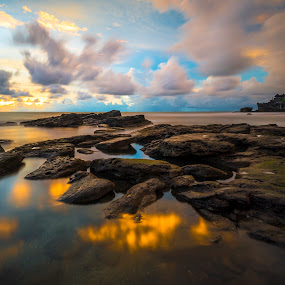 Sunset At Tanah Lot by Leonard Sani - Landscapes Sunsets & Sunrises ( bali, indonesia, sunset, tanah lot, beach, rocks )