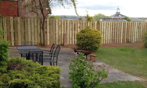 fencing service in exeter