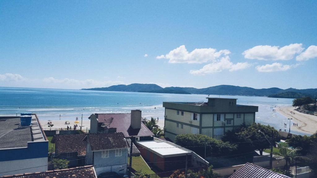 Lindo apartamento com vista para o mar, aluguel de temporada