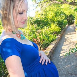 by Kathy Suttles - People Maternity