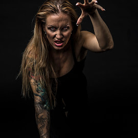 Wild thing by Sondre Gunleiksrud - People Body Art/Tattoos ( canon, wild, workshop, portrait photographers, portraits of women, female, tattoos, tattoo, tatoo, portrait,  )