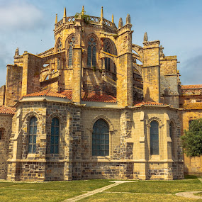 iglesia Castro Urdiales by Roberto Gonzalo Romero - Buildings & Architecture Places of Worship ( castro urdiales )