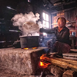 Traditional Kitchen at The Village by Fuad Arief - People Portraits of Women ( visit indonesia, indonesia, east java, human interest, tourism, traditional, argosari, bromo, photography )