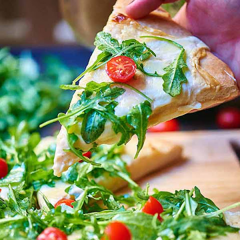 Roasted Garlic White Cheese Pizza with Arugula Salad