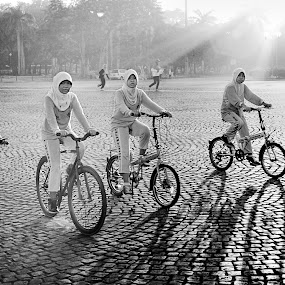 Bike to Scholl by Steven Silman - People Street & Candids