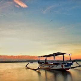 Goa Beach by Imam Mukti Wibowo - Landscapes Waterscapes ( water, waterscape, sunrise, boat, landscape )