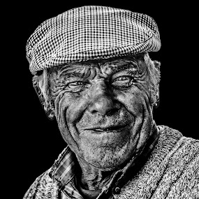 Joy of life by Pedro Ribeiro - People Portraits of Men ( potrait, black and white, joy, street, old man )