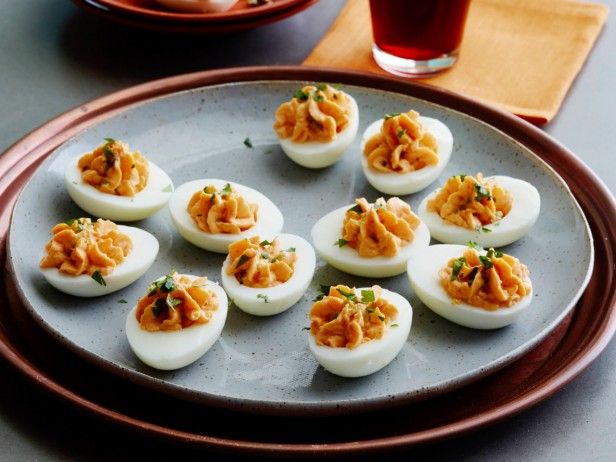 Beet-Pickled Hungarian Deviled Eggs Recipe | Yummly