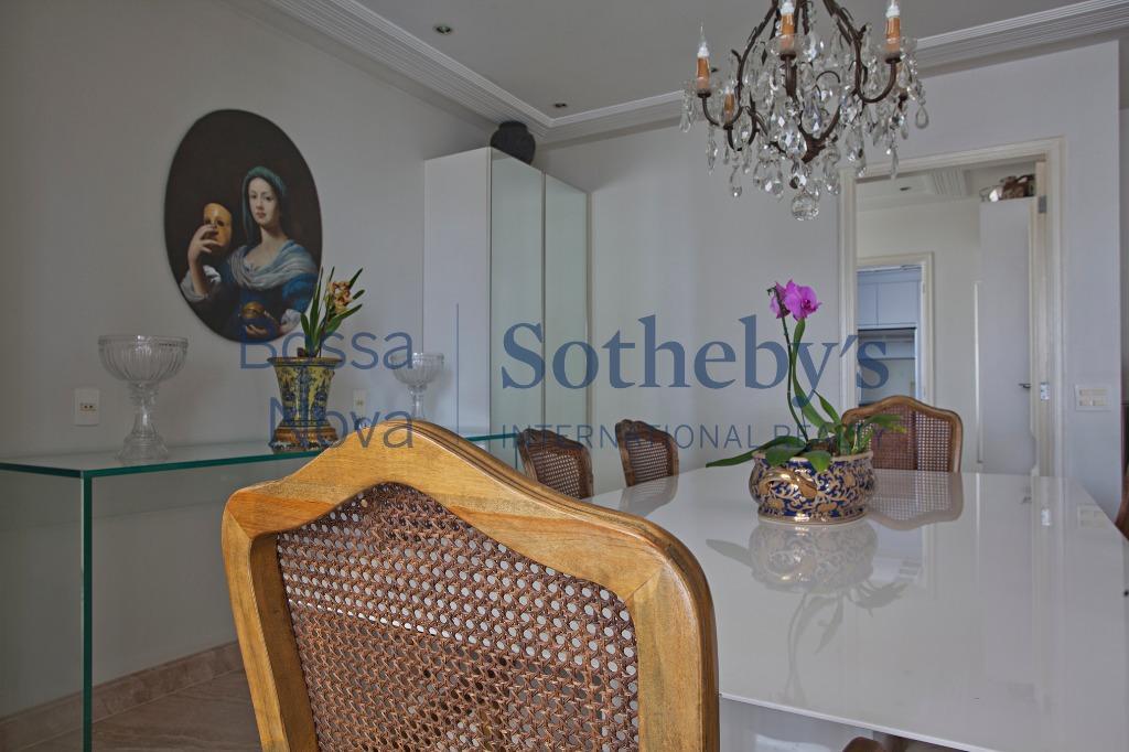 Lindo apartamento em empreendimento luxuoso em Moema Índios