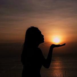 shilouette by Novalina Soewandhie - Landscapes Sunsets & Sunrises ( bali, girl, sunset, ocean, beach, beauty, people )