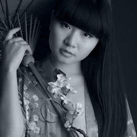 China Girl by Tomas Fensterseifer - Nudes & Boudoir Artistic Nude ( black and white, umbrella, asia )