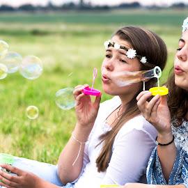 Bubbles by Susan Pretorius - People Family
