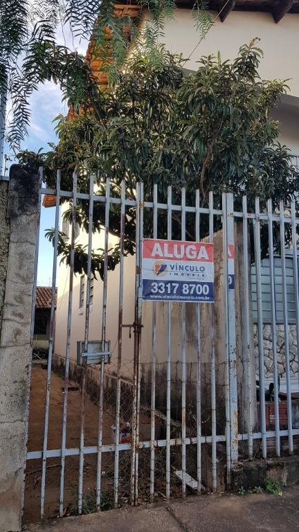 Casa com 2 dormitórios para alugar, 58 m² por R$ 500/ano - Fabrício - Uberaba/MG