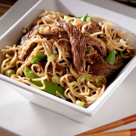 Stir-fried Noodles With Beef And Greens