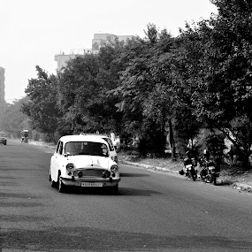 The Fiat  by Arpan Sagar - Novices Only Street & Candid