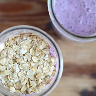 Blueberry Banana Oatmeal Smoothie {In a Mason Jar}