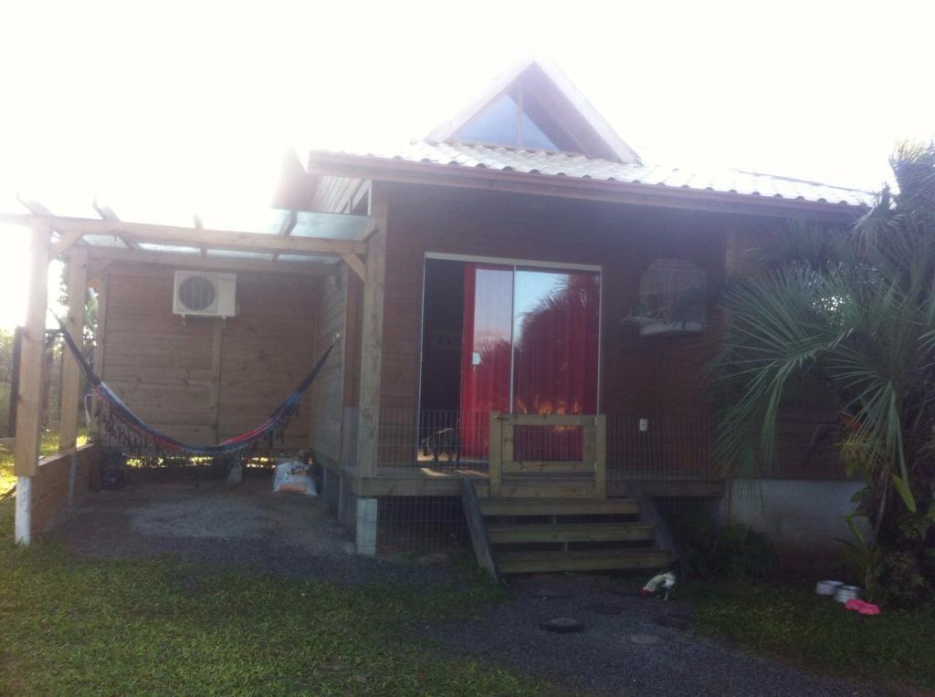 Casa em Ibiraquera, com Visão parcial da Lagoa, próximo a Pousada do Terife e da Acadêmia Atomic
