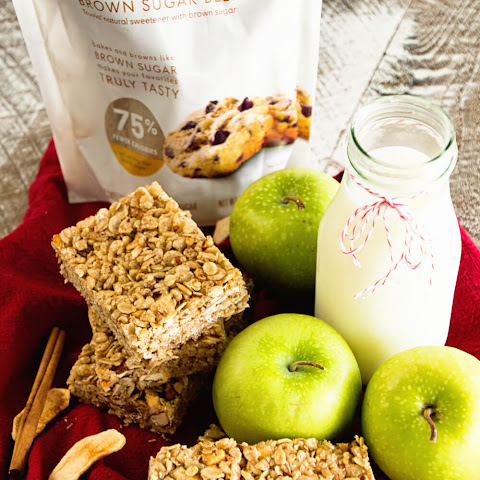 Chewy Cinnamon Apple Granola Bars