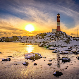 Winter at the lighthouse by Richard Larssen - Landscapes Sunsets & Sunrises