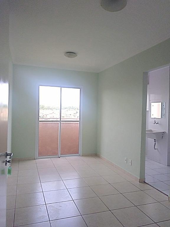Apartamento com quartos para Alugar, 49 m²