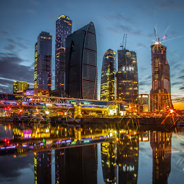 21:34 by Dmitry Samsonov - Buildings & Architecture Office Buildings & Hotels ( russia, scyscrapers, moscow, reflections, business centre, city )