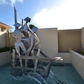 The Arrivals by Kamila Romanowska - Buildings & Architecture Statues & Monuments ( statue, art, australia, arrivals, mclaren vale, public, steel )
