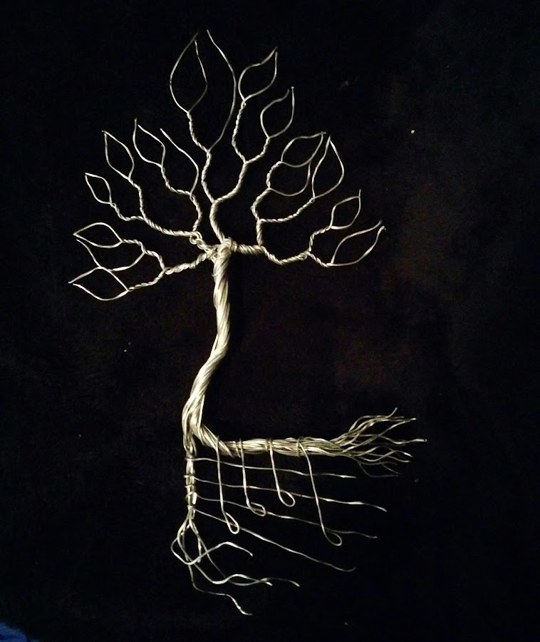Wind songs by Brian Boyer - Artistic Objects Other Objects ( wire, recycled, music, tree, wire tree )