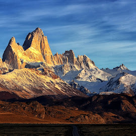 by Itamar Campos - Landscapes Mountains & Hills ( mountains, patagonia, sunrise, fitz roy )