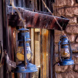 0673-AOA-0207-01-16 by Fred Herring - Artistic Objects Antiques