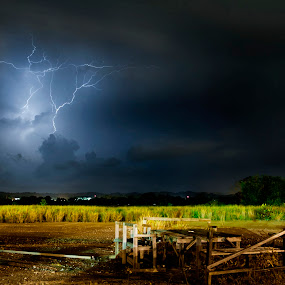 Thor ? by Mohamad Sa'at Haji Mokim - Landscapes Weather ( thunder, weather )
