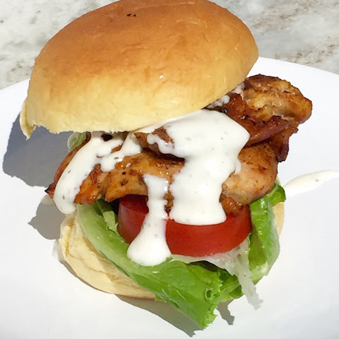 Blackened Chicken Sandwich with Lettuce, Tomato and Yogurt Ranch Dressing