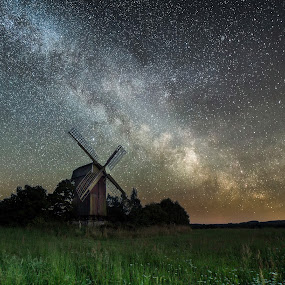 The old Windmill by Jocke Mårtensson - Buildings & Architecture Decaying & Abandoned ( field, milkyway, tranquility, stars, mill )