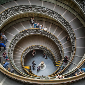 _DSC0508_0513 - Panorama - Vatican stairs-Edit_ +2_ -2_tonemapped mix70-Edit-Edit - 1 1200.jpg