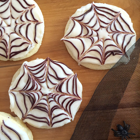 SPIDERWEB SUGAR COOKIES
