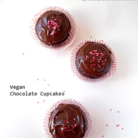 Vegan Chocolate Cupcakes with healthy Chocolate Espresso Frosting
