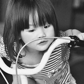 sepeda by Sandy Boentarya - Babies & Children Child Portraits