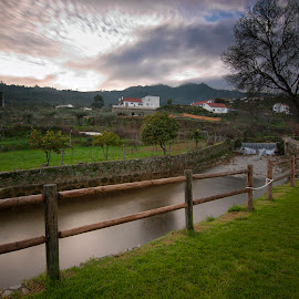 Paz na Terra by Rui Pajares - Landscapes Travel ( árvores, rio, céu, fundão, açude, água, travel, nuvens, rural, cascata )