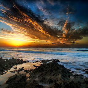 sunrise in Cancun by Cristobal Garciaferro Rubio - Landscapes Waterscapes ( shore, waterscape, mexico, sea, sunrise )