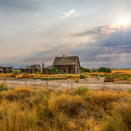Old Home Stead by Sheldon Anderson - Buildings & Architecture Decaying & Abandoned ( 2017, oregon, pm, august, old farm house, old west, prairie )