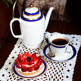 Strawberryies deseert and coffee by Cristobal Garciaferro Rubio - Food & Drink Cooking & Baking ( strawberries, coffee cup, cream spoon, strawberry )