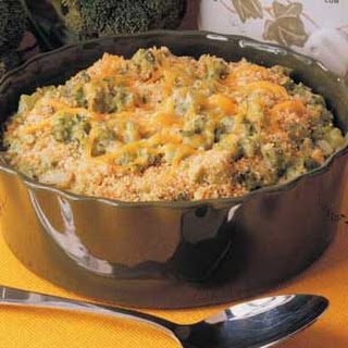 SLOW COOKER BROCCOLI CASSEROLE