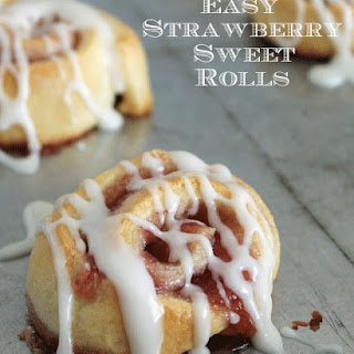 Easy Strawberry Sweet Rolls