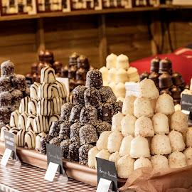 Christmas Cookies! by Daniel Markiewicz - Food & Drink Candy & Dessert ( market, sweets, food, christmas, cookies )