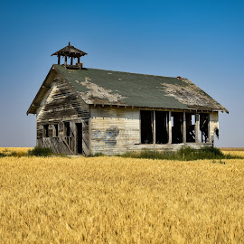 by Terry Oviatt - Buildings & Architecture Decaying & Abandoned